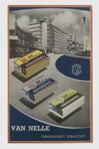 """Reclamebord """"Van Nelle garandeert kwaliteit"""", met Van Nelle fabriek en drie pakken shag"""