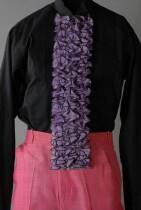 Rechthoekig jabot van lila katoen, gedragen bij kostuum Jules Deelder