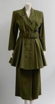 "Groen damesensemble bestaande uit jas en rok, ""Mac & Maggie"""