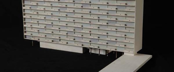"""Maquette (1:200) van flat van tien verdiepingen, onderdeel van """"Stad der Toekomst"""""""